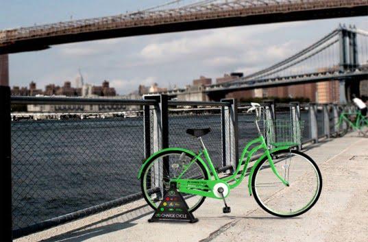 A New York ricaricare il cellulare lo si fa per strada e… pedalando 2