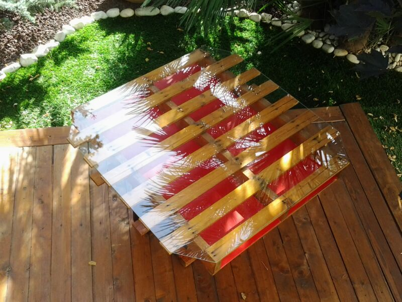 Riciclo creativo: come farsi un tavolo a partire dai pallet ...