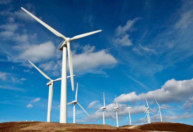 Rendita catastale, i chiarimenti dell'Agenzia delle Entrate in merito all'installazione di pali per telefonia mobile e torri eoliche